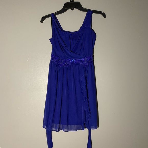 Amy Byer Other - Royal blue formal dress!